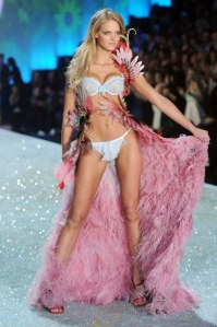 victorias-secret-fashion-show-20131aaaa